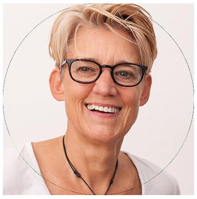 Porträt Sandra Schoel